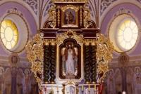 Wnętrze Kościoła pw. św. Barbary w Swornegaciach; neobarokowy ołtarz