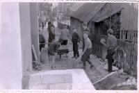 Przy budowie Gromadzkiego Domu Kultury pracowali  mieszkańcy Swornegaci
