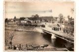 Zdjęcie to wykonano przed 1.09.1939 z okien fochtówki. Most został wysadzony w pierwszym dniu II wojny światowej. W tle(od prawej) widzimy dom Glisz